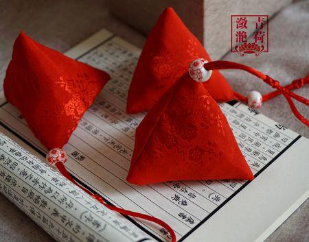 端午节 艾草香包 手工制作香囊 野生艾叶 三角香包 粽子挂件香袋