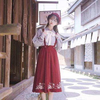 鹿韵记原创设计文艺套装秋冬季贝雷帽交领上衣女装酒红色背带下裙