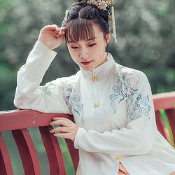都城南庄冬季新品汉服日常款齐腰襦裙小袖绣花竖领浅色汉服女梨落