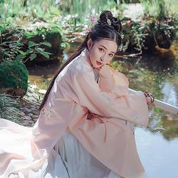 都城南庄汉服原创绣花褙子行香子冬季新品日常款小袖可配下裙马面