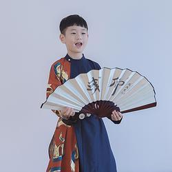 彧卿轻奢原创 创新设计款 帅气时尚新品印花撞色儿童圆领袍