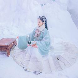 汉尚华莲宋迹传统汉服女装重工刺绣织金马面裙秋冬下装日常款