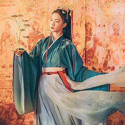 汉尚华莲传统汉服女装寻迹鸟刺绣交领大袖套装浅绿渐变色襦裙冬装