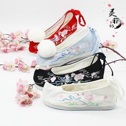 冬季弓鞋加绒汉服女弓鞋翘头鞋千层底绣花弓鞋布鞋大红色婚鞋绑带