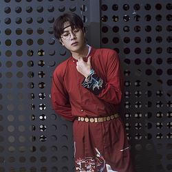 彧卿轻奢原创  设计款蓬莱系列渐变色印花+刺绣圆领袍—赤月