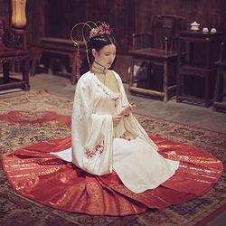 曼珠沙华:洛离池夏原创设计改良汉服彼岸花提花长袄6米摆织金马面