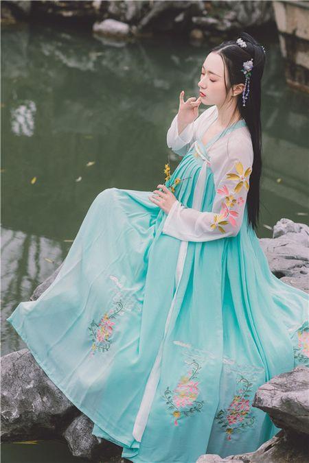 半壶纱(樱落)原创对襟齐胸襦裙六米摆春秋季汉服女日常