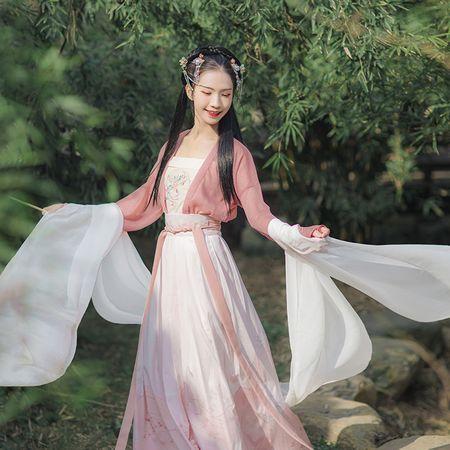 汉尚华莲立春传统汉服女刺绣对襟上襦搭配一片式穿孔褶裙日常套装