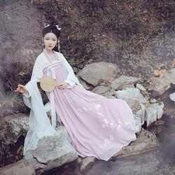 仑灵:双儿 池夏原创设计改良汉服齐胸襦裙套装兔子桃刺绣 春夏款