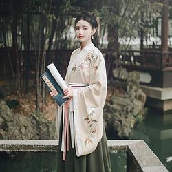 仑灵:艾儿 池夏原创设计改良交领大袖褶裙套装茱萸花刺绣 春款