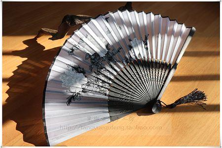 【白牡丹】棠樾古风白牡丹黑灰扇面中国风7寸绢布小折扇