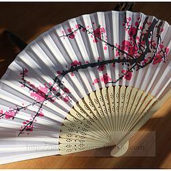 【红梅】特价款中国风红梅原色竹骨印花6寸日用折扇